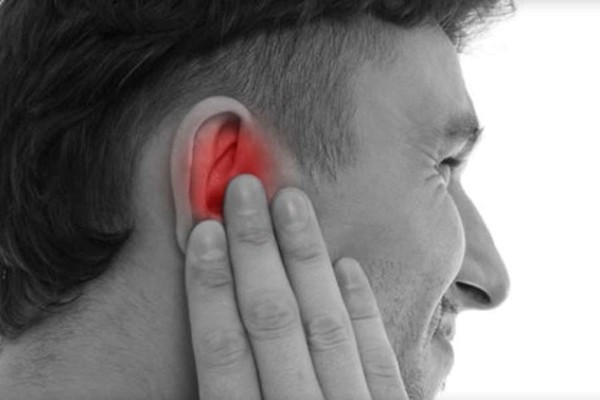 Как предотвратить наружный отит уха или синдром «уха пловца»