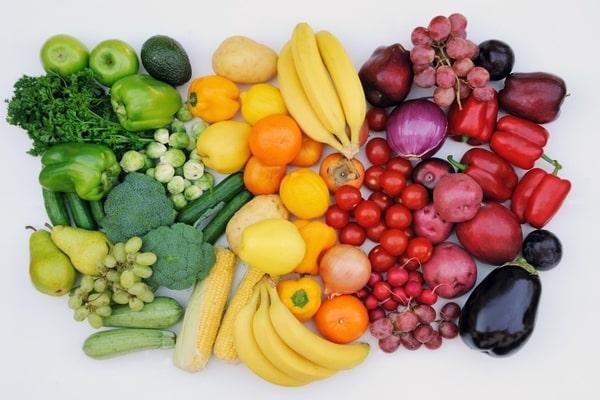 Когда ранние овощи и фрукты действительно полезны?